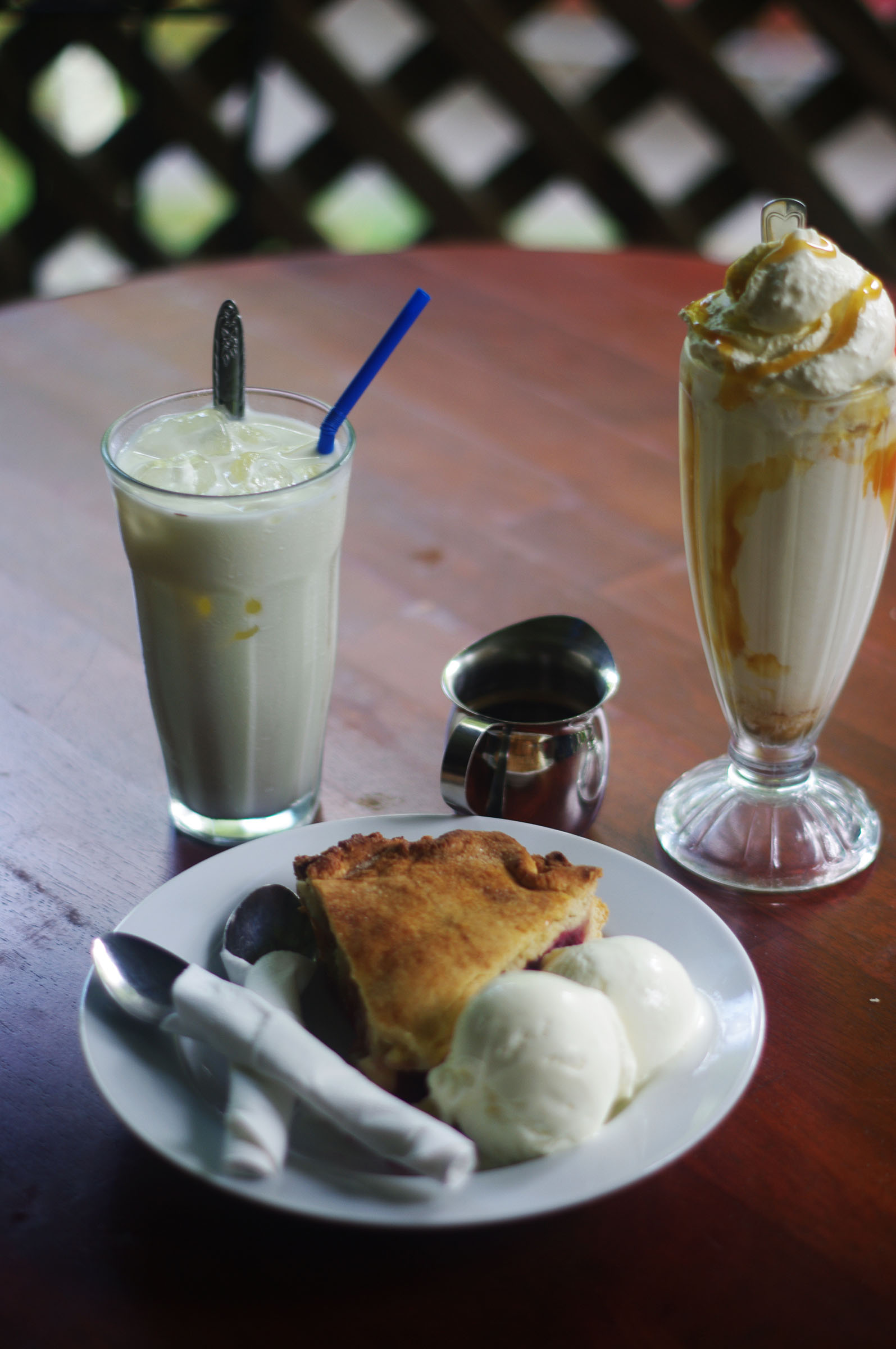 Iced coffee, milkshake, and berry pie at Ivy Inn