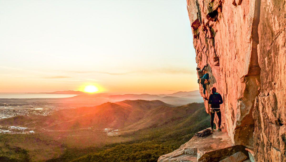 mt stuart townsville rock climbing