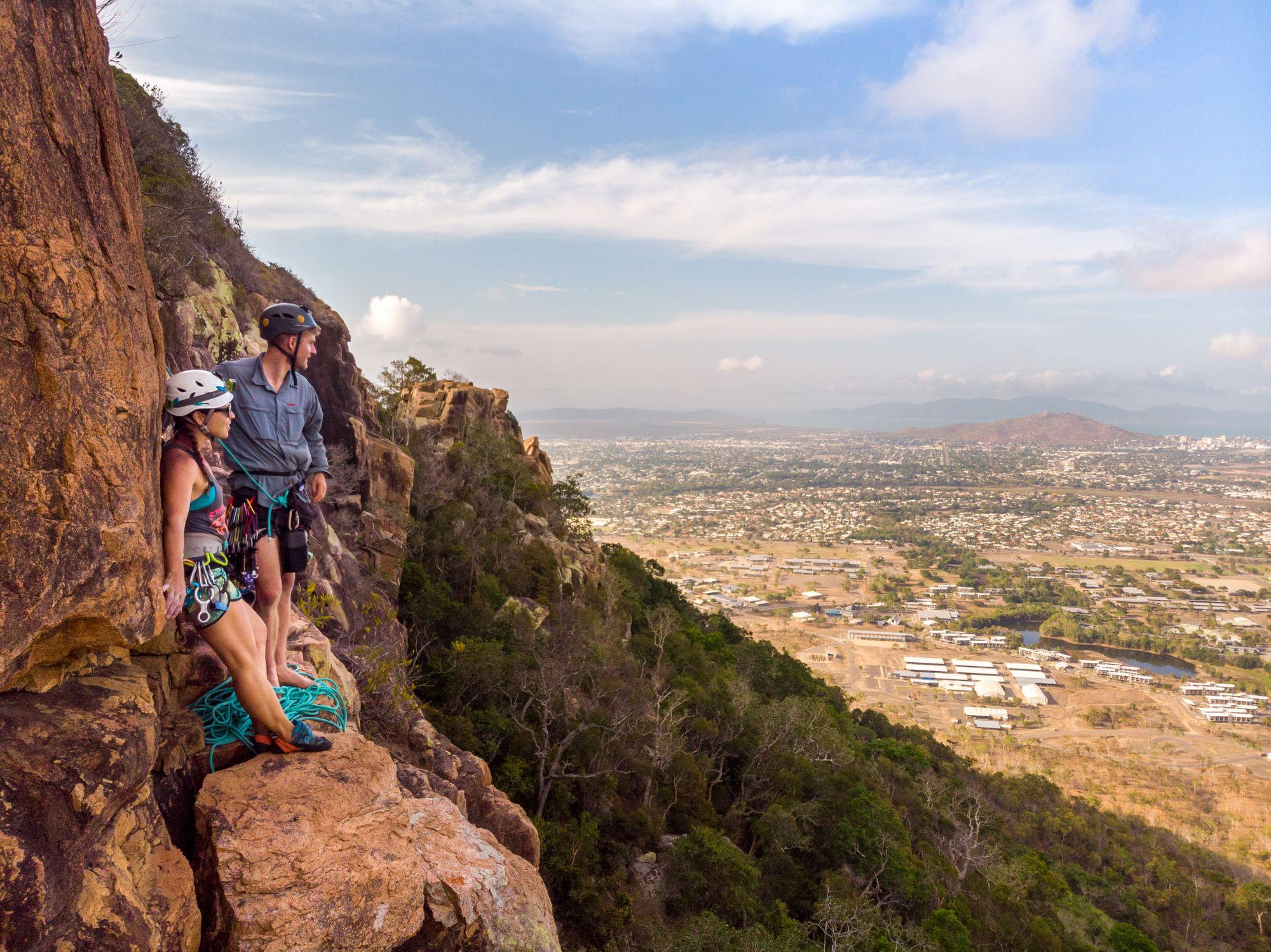 Jodie Rummer and Luen Warneke climbing Mt Stuart