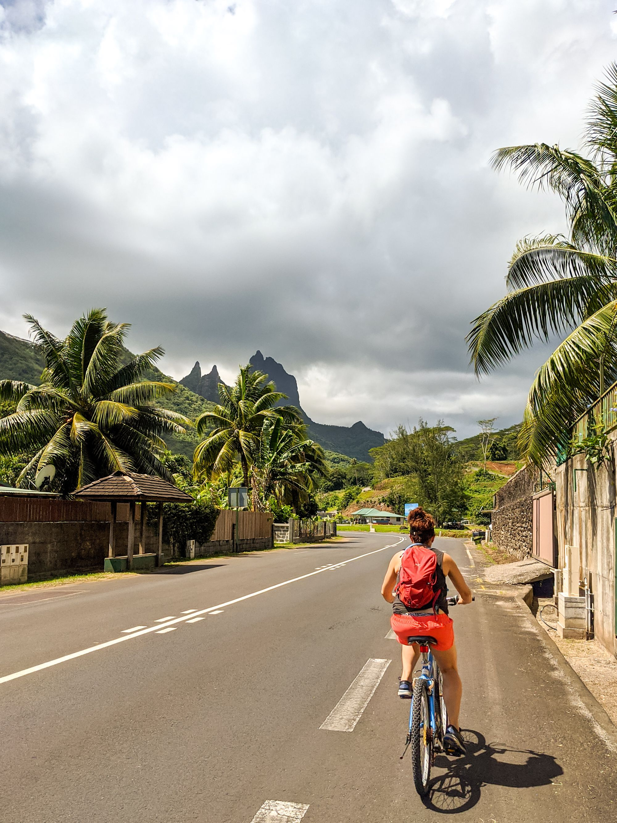 cycling moorea french polynesia