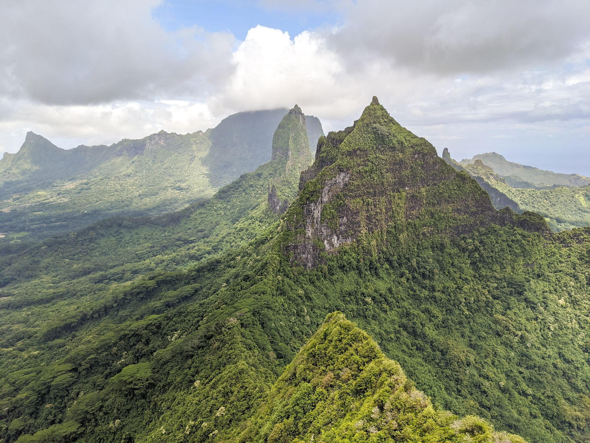 mountains moorea french polynesia