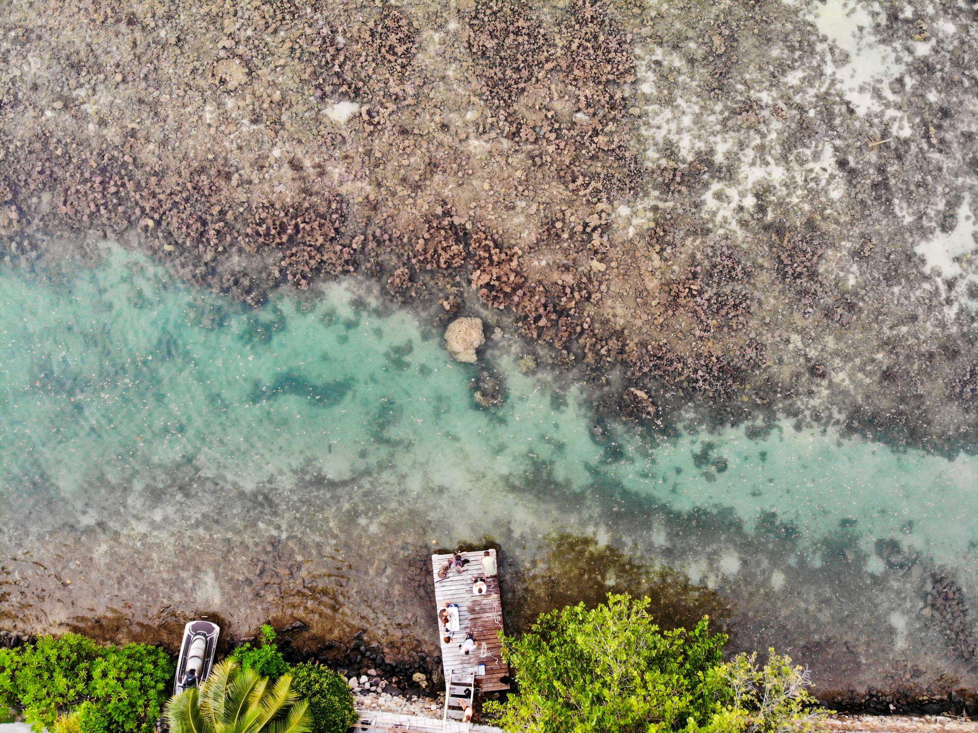 peir moorea french polynesia