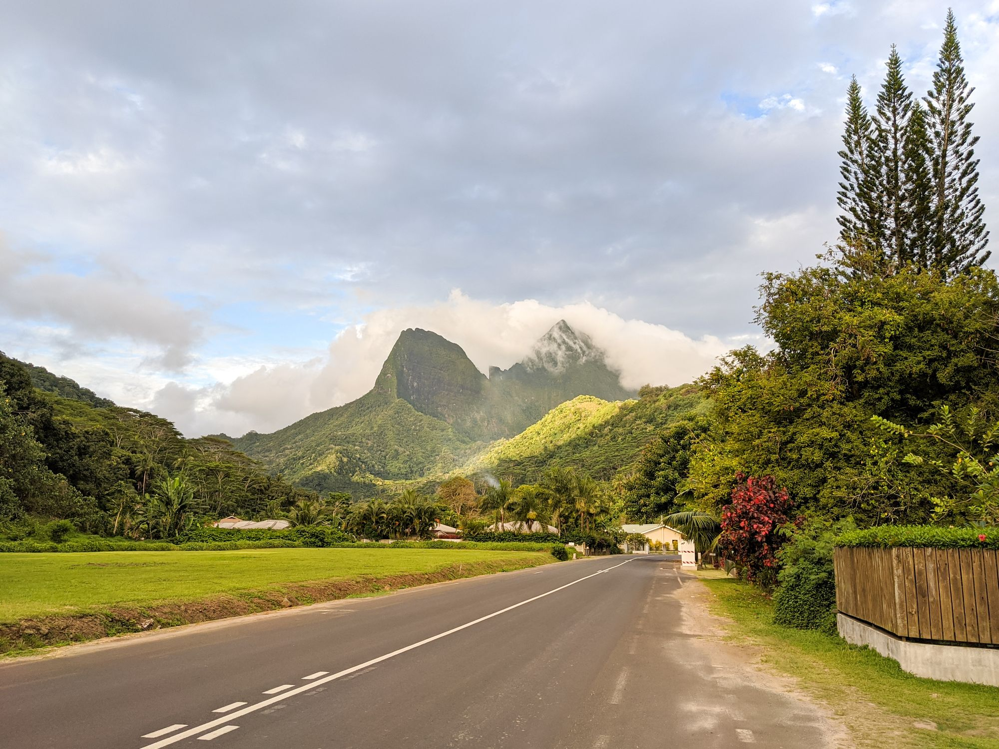road mountain views moorea french polynesia