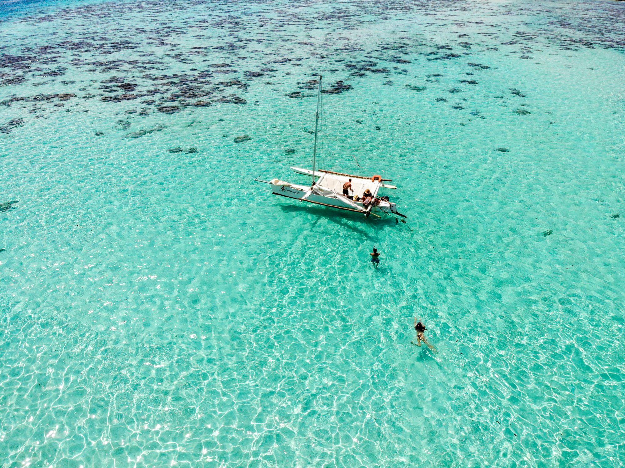 sailing moorea french polynesia