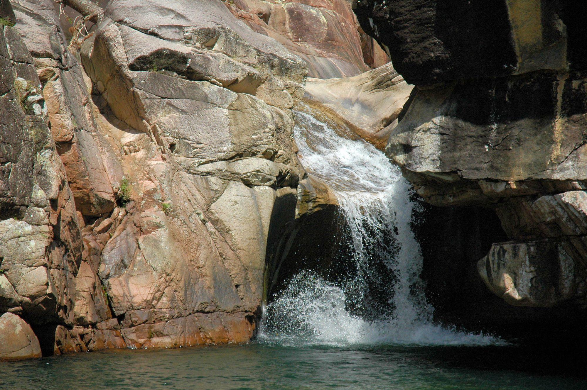 Leichhardt Creek Falls rock slides