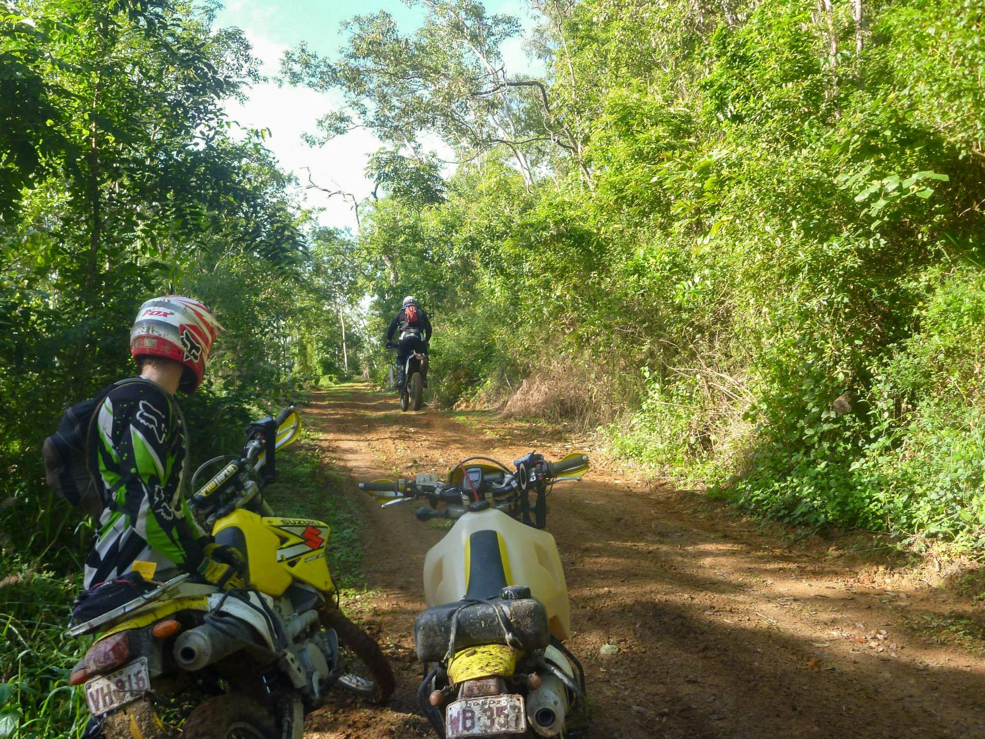 trail bikes club ride