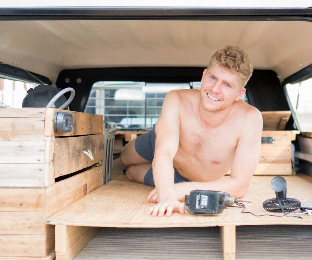Building a camper in tray of ute