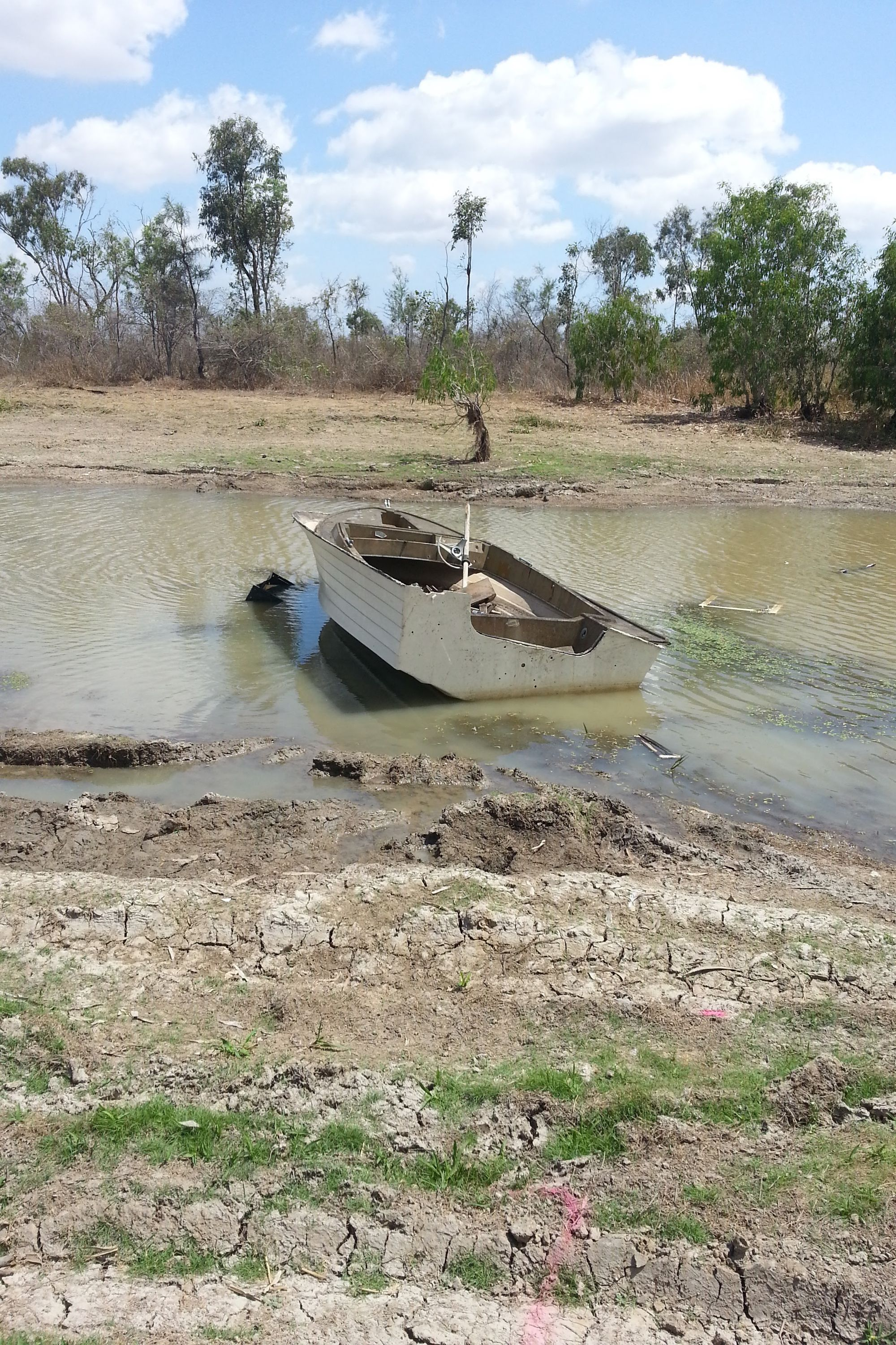 abandoned boat rubbish illegal dumping litter townsville 1