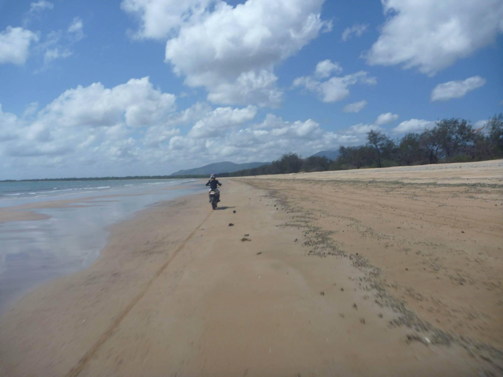 ollera beach dirtbikes