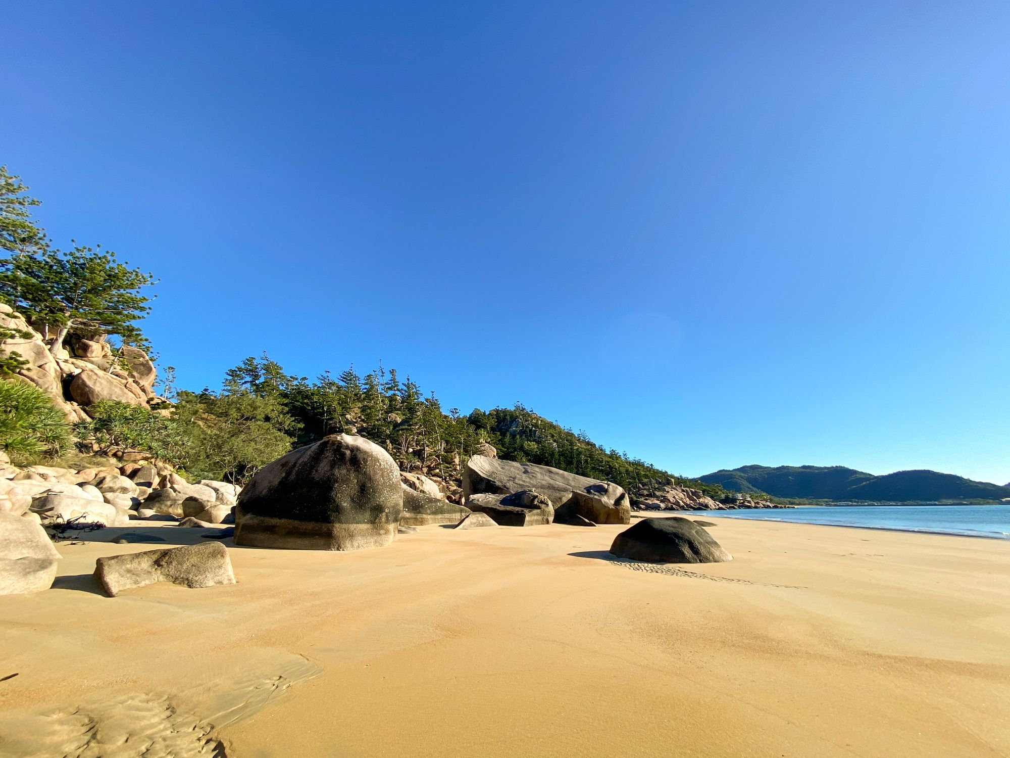 rocky bay magnetic island