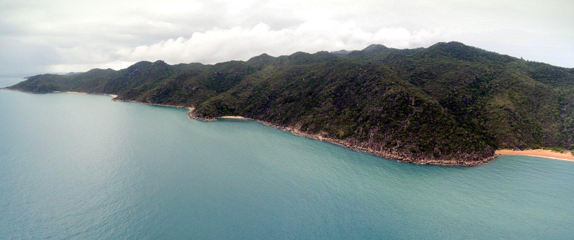 five beach bay magnetic island