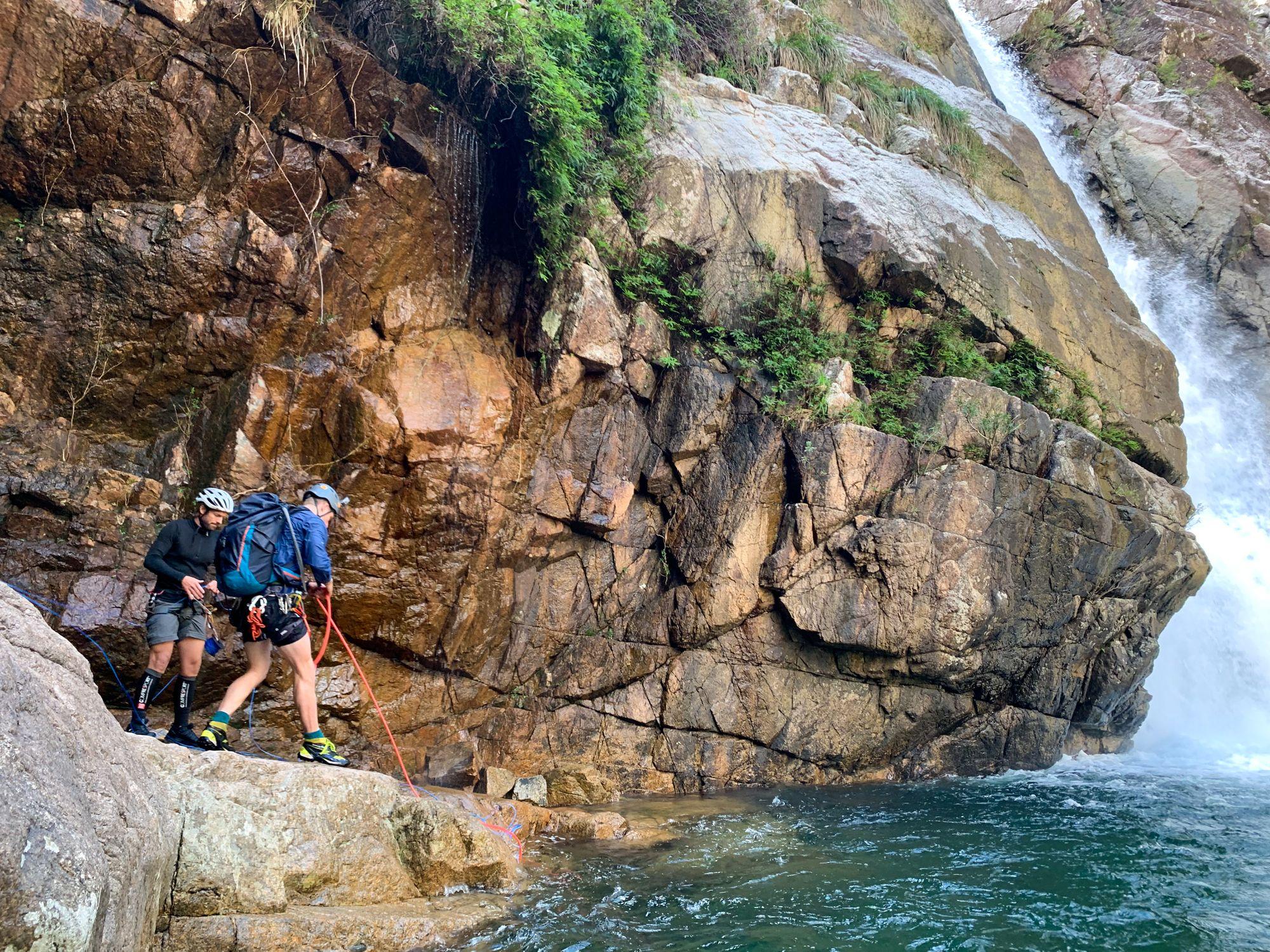 crystal creek canyoning rappel