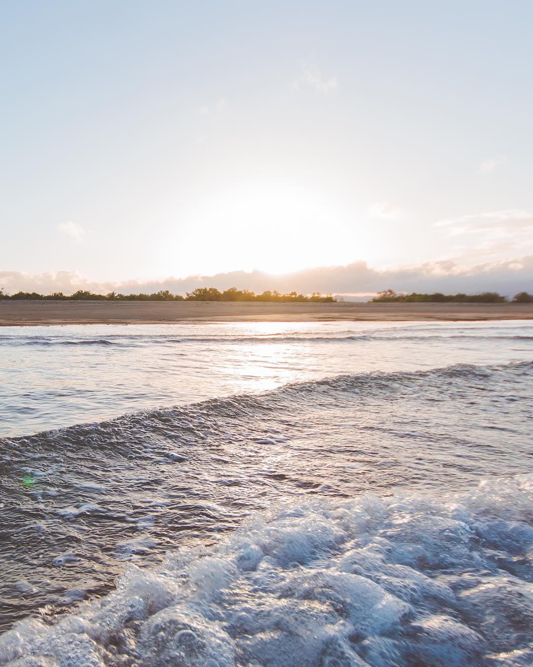 bushland beach townsville qld