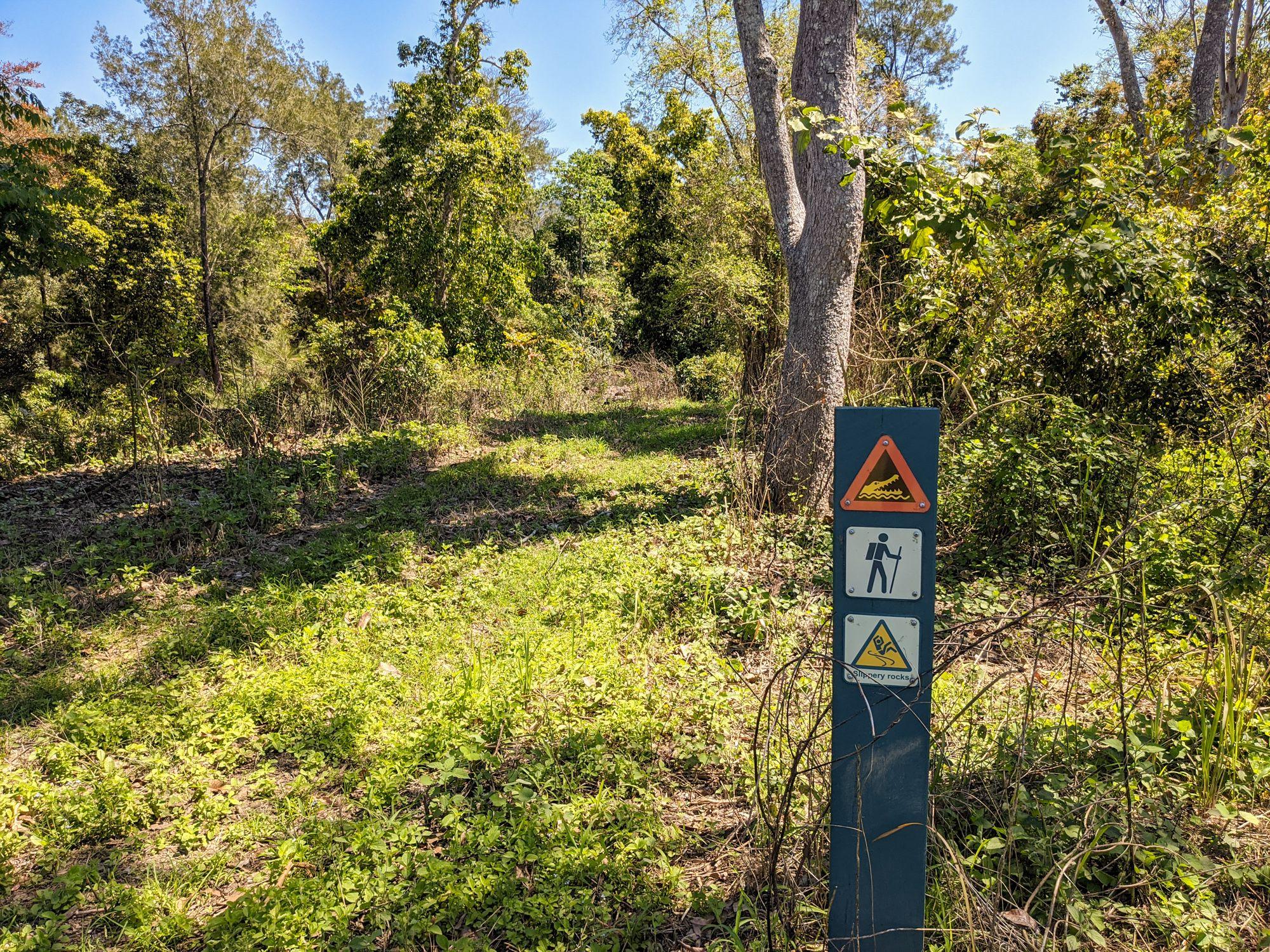Henrietta track signpost