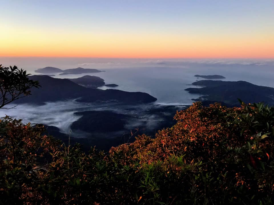 Pico do Corcovado sunrise