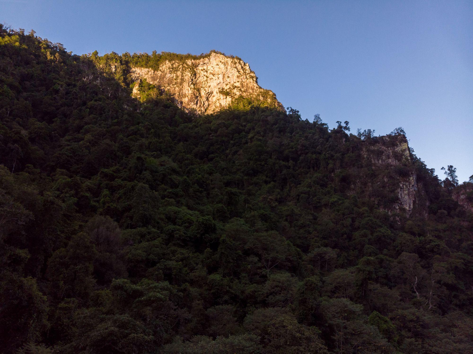 cliff girringun national park