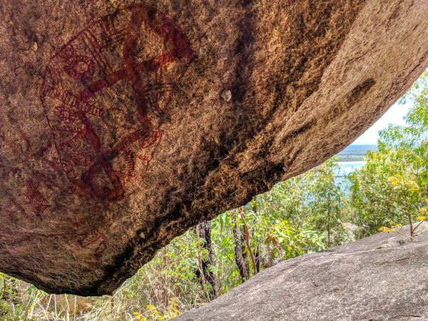 Hidden Aboriginal rock art around Townsville