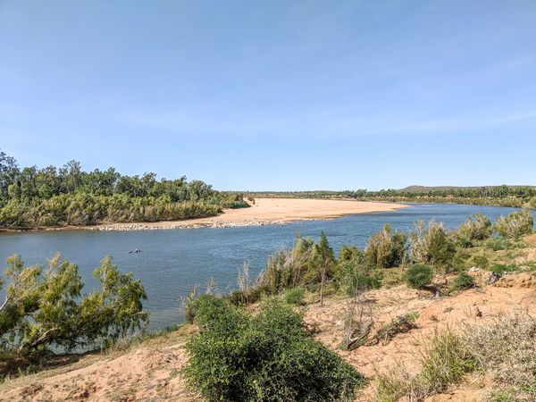 Exploring Flat Rock, Burdekin River