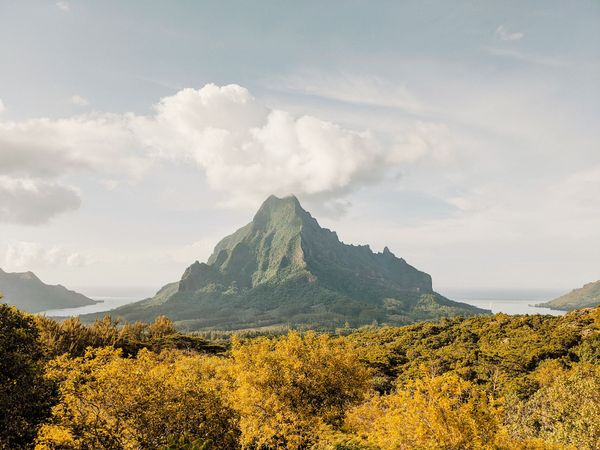 Hikes on Mo'orea Island, French Polynesia