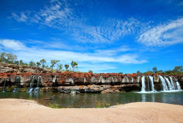 Red Falls, Charters Towers